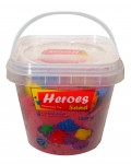 Кинетичен пясък в кофа Heroes – Червен цвят с 6 фигурки, 1000 g